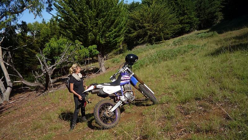 A szezonnyitó motorozást egy eukaliptusz-erdőben fejeztük be