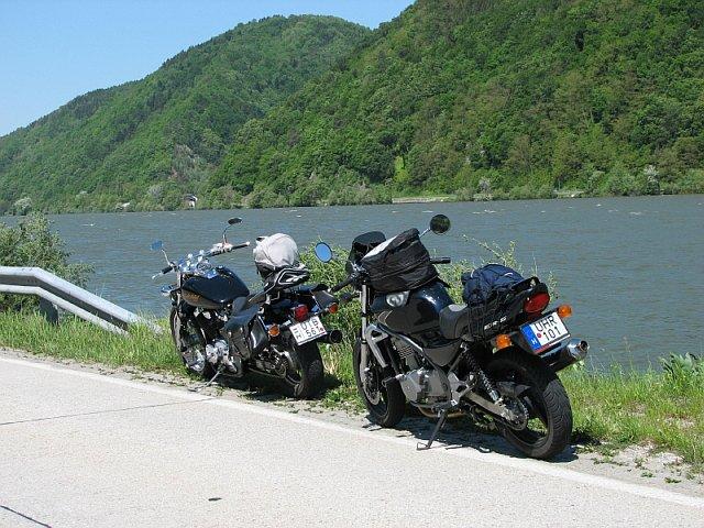 A Duna partján.